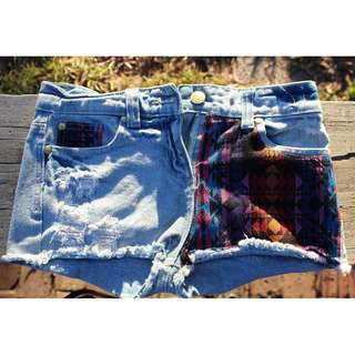 HOT PANT denim shorts with print