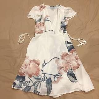 🚚 韓國購純白花洋裝歐美風
