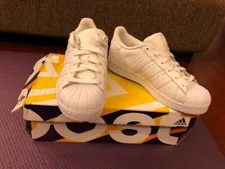 🚚 歐美經典愛迪達 白色球鞋 貝殼鞋