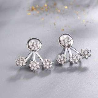 Floral Earrings with Synthetic Diamond (Platinum-plated Sterling Silver)