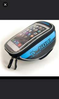Brand new B-soul cycling bicycle handlebar pouch for up to 5.9inch phone ( Waterproof)