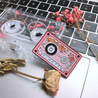 Cassette鐵襟章