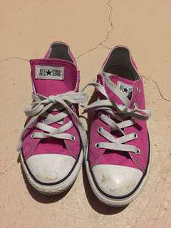 All star Converse pink shoes