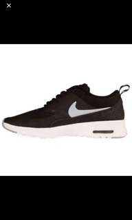 Nike runners sneakers
