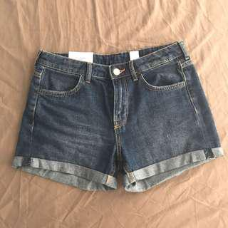 *H&M* Regular Denim Shorts