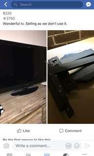 """Tv """"40 Toshiba with bracket"""