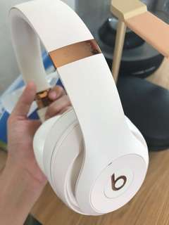 Beats Studio 3 wireless rose gold