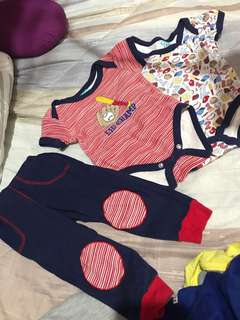Baby onesie set