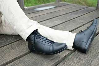 Sepatu boots kulit kambing asli