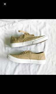 VANS WITH GOLD AGLETS!