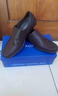 Sepatu vantopel yongki komaladi