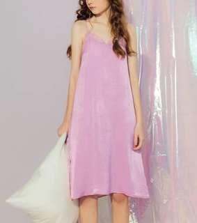 🚚 全新現貨代購💲 490今天訂明天出❤️   #韓妞最愛高品質緞面後交叉細肩帶洋裝
