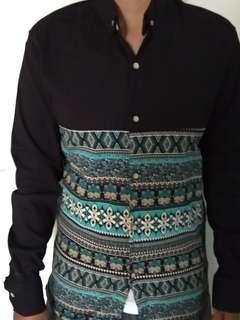 Kemeja motif batik Slimfit