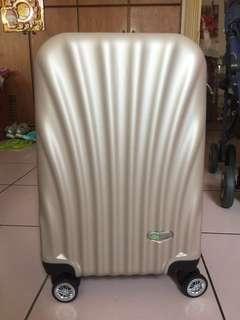 🚚 行李箱 登機箱 旅遊箱 托運 背包 手提 香檳金 萬向輪 好滑 超輕量