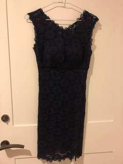 🚚 深藍色蕾絲合身短洋裝