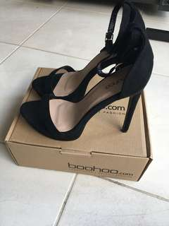 BOOHOO BLACK HIGH HEELS