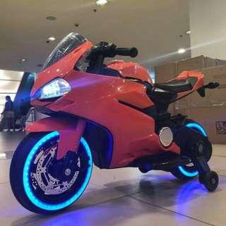 DUCATTI motorbike big
