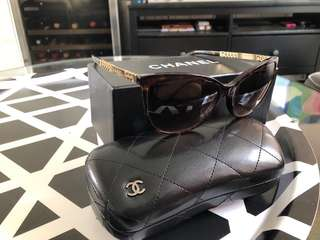 Chanel 太陽眼鏡 sunglasses. 100%real