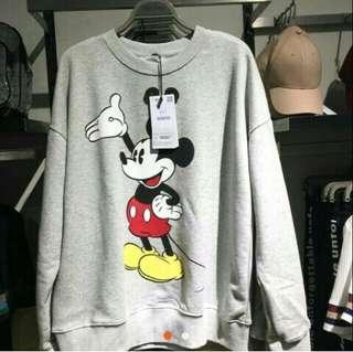 Mickey Bershka Sweater