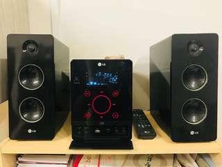 LG tuned FM/DVD Component