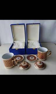 Vintage Collectable: Cups and Saucers with the box for Gift