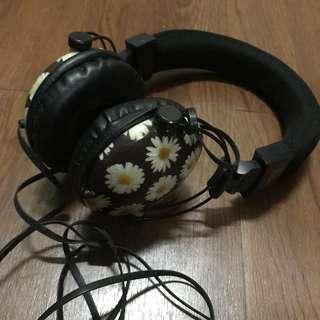 Typo Headset