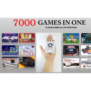 7000 Classic game in a palm of your hand controller included