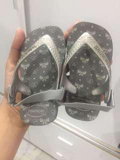sandal havainas 1 tahun