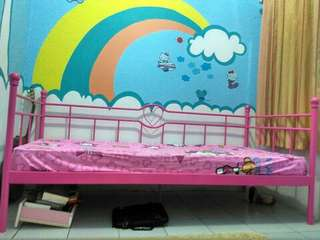 Daybed kid warna pink