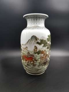 景德鎮八馬鴻圖花瓶(珍藏超過5O年)