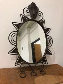 Matching mirror n vase