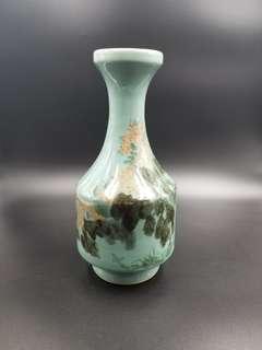 綠色帶感花瓶
