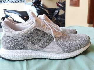 Adidas ultra boost kondisi 98% 3x use