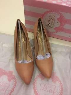 🚚 D+af 基本款裸粉色高跟鞋 43號