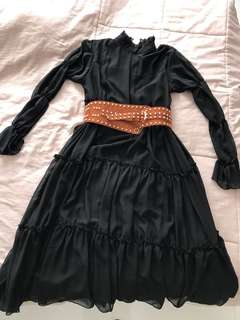 Black long dress free size (not including belt)