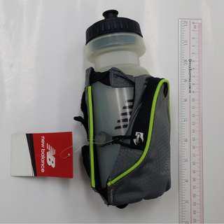 全新New Balance掛腰包連水樽 (water bottle with waist bag)
