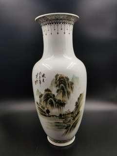 湖江山色花瓶(珍藏超過30年)
