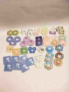 Hello Kitty x 7-11 花花襟章多種款式,$5 - 2 個, $10 - 4個,如此類推
