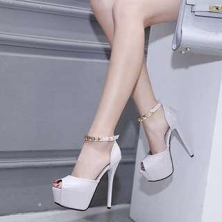 🚚 2018時尚款💕鉚釘魚口厚底鞋跟高跟鞋(2色)