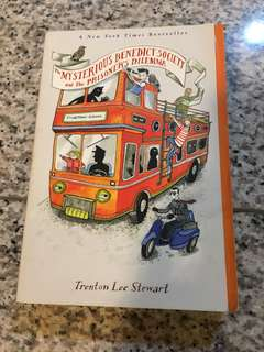 New York Times bestseller - Trenton Lee Stewart