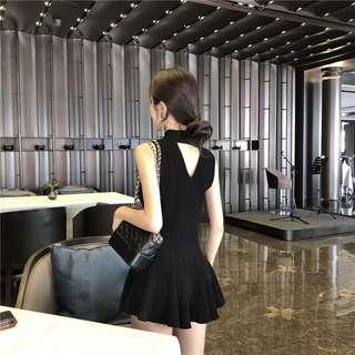 Minimei追加款✪韓系韓版歐美風夏季復古V領性感鏤空針織無袖掛脖連衣裙女氣質收腰短款小黑裙