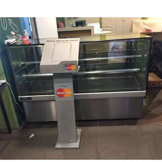 USED CAKE DISPLAY CHILLER