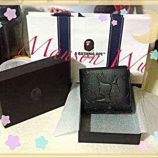 🚚 ✨日本代購✨ A BATHING APE 黑色壓紋短夾(100%日本原裝正品)