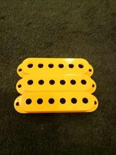 Strat pickup cover yellow 3 pcs single coil
