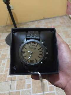 For sale never been use kenneth cole reaction