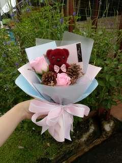 小熊+玫瑰花花束💐