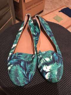 Green palm print banana leaf loafer flats Rubi size 41