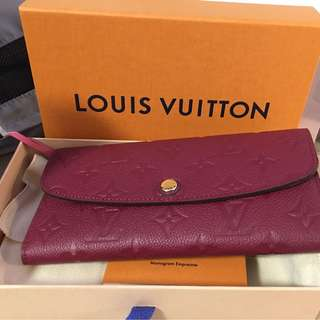 LV wallet -100% new