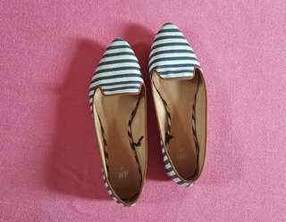 H&M Striped Flat Shoes