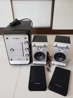 (SOLD) PreX 550-2.1 multimedia 2.1 power speaker